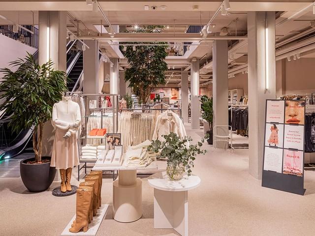 Besuch in Stockholm: Wie H&M Laden und Einkaufserlebnis weiter entwickelt