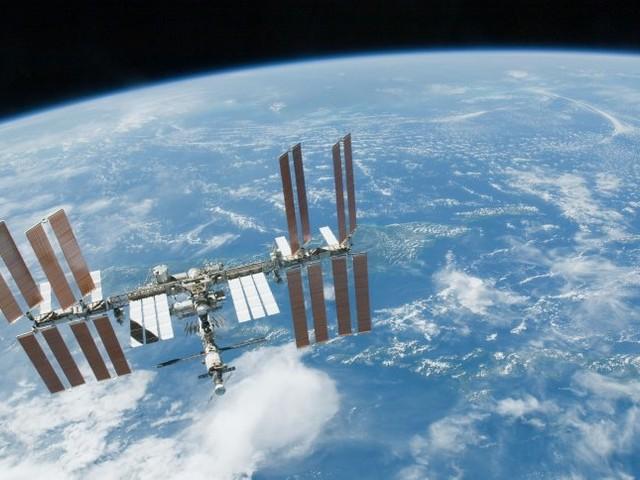 Internationale Raumstation: Alsin derWeltraum-WGzum ersten Mal das Licht anging