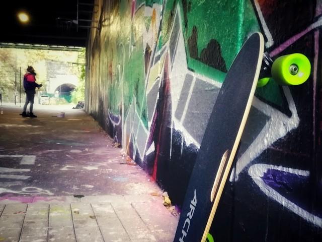 ARCHOS SK8 | Das günstige elektrische Skateboard im Atomlabor Test