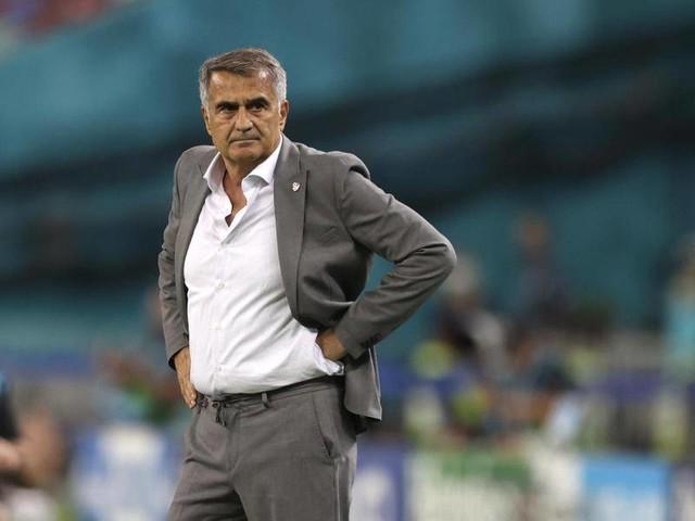 Fußball-EM: Nach enttäuschender EM: Kritik an Türkei-Coach Günes wächst
