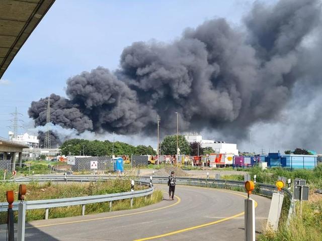Explosion im Chempark Leverkusen - Anwohner sollen Fenster schließen