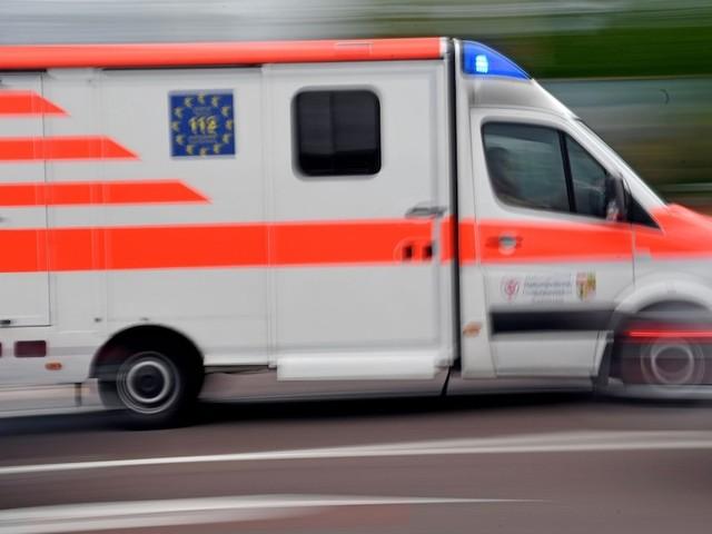 In der Schweiz - Sechs Monate altes Baby wird in Kinderwagen von Ästen erschlagen