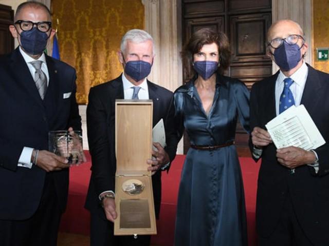 Andrea Illy wird für die Förderung des Images Italiens in der Welt mit dem Leonardo-Preis ausgezeichnet
