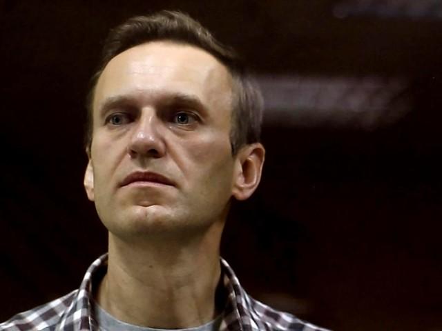 """USA drohen mit Konsequenzen : Nawalnys Zustand spitzt sich dramatisch zu: """"Er kann jede Minute sterben"""""""