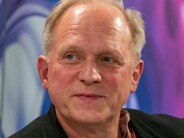 Ulrich Tukur: So bleibt der Schauspieler im Lockdown fit