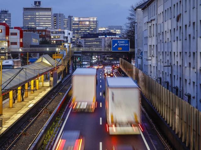 Umfrage: 41 Prozent der Autofahrer begrüßen schnelles Verbot von Benzinern und Dieseln