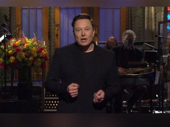 Elon Musk als Komiker über Dogecoin