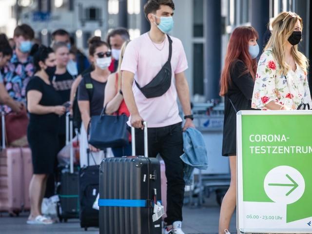 Einreisende aufgepasst: Testpflicht: Das müssen Urlauber nun wissen