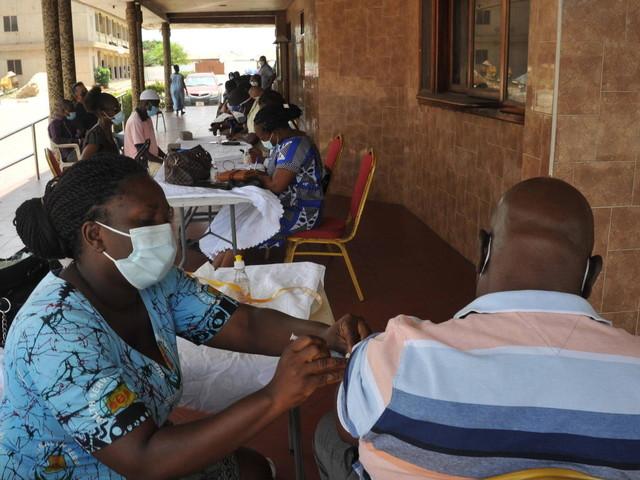 Corona-News | Entwicklungshilfeminister: 90 Prozent in Afrika nicht geimpft