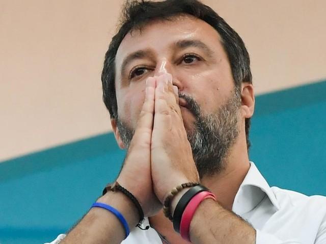 Wollte Migranten nicht an Land lassen: Ermittlungen gegen Salvini
