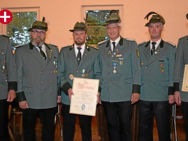 Schützen : Sauerländer Schützenbund verleiht höchsten Orden in Bremke