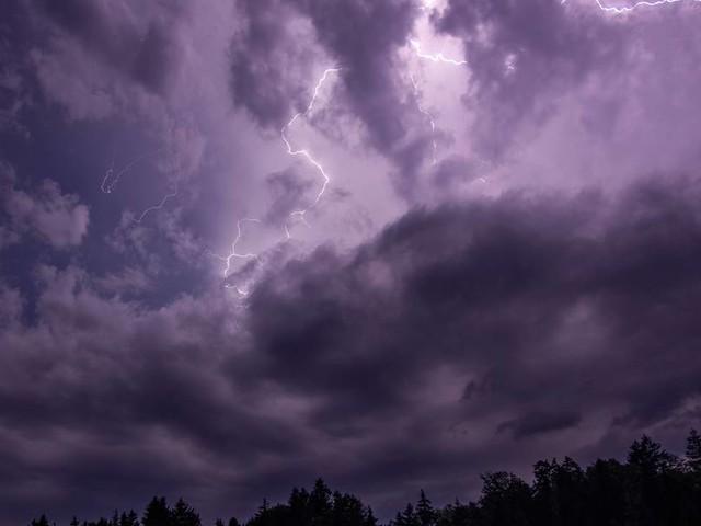 Schwere Unwetter in Südrussland -Straßen gesperrt, Flüge gestrichen