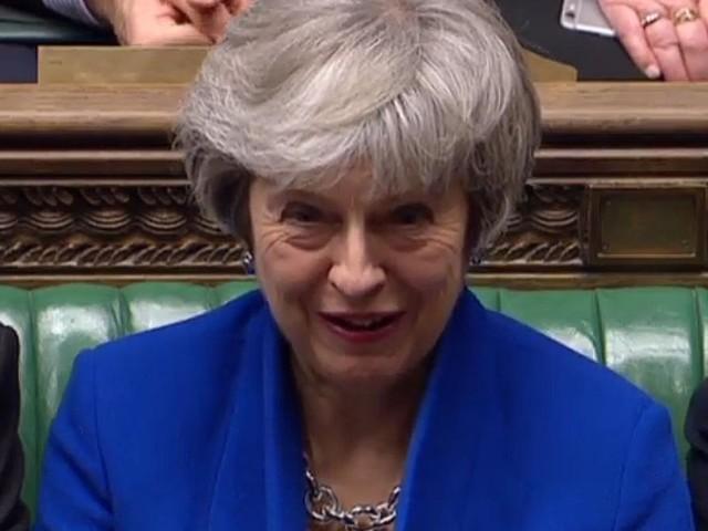 Theresa May übersteht das Misstrauensvotum