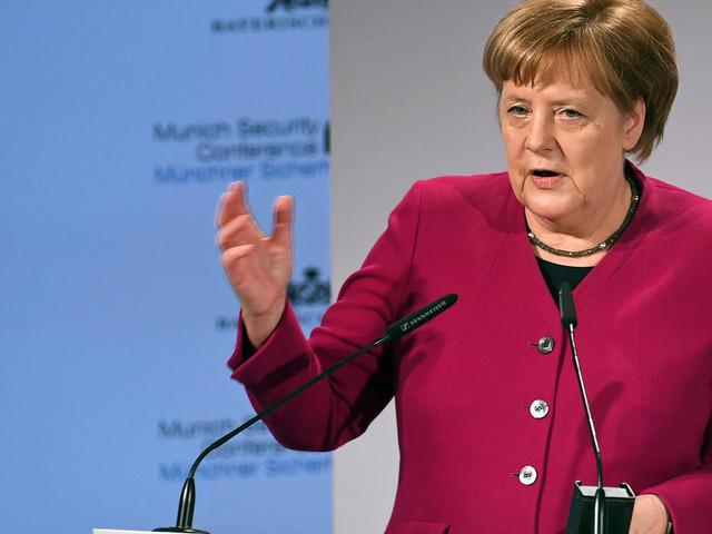 Münchner Sicherheitskonferenz: Merkel warnt vor Zerfall globaler Ordnung – wie reagiert Pence?