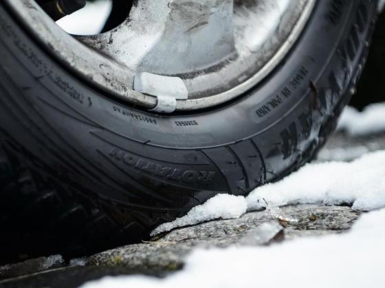 Winterreifen mit mehr Druck kühl und trocken einlagern