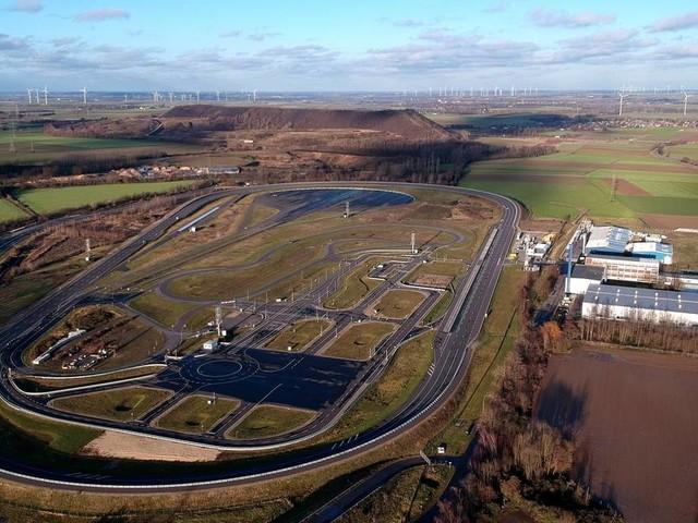 """Tests in Aldenhoven möglich: Verkehrsminister fordert Gesetzentwurf für """"Geister-Autos"""""""