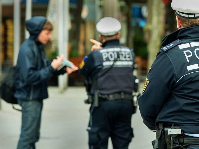 Coronavirus in Stuttgart: Stadt muss Maskenpflicht wieder lockern