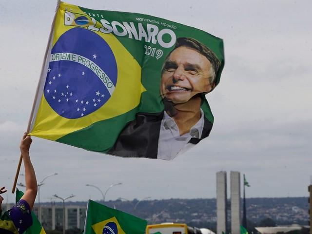 """""""Militärintervention"""" gefordert: Tausende demonstrieren für Bolsonaro"""