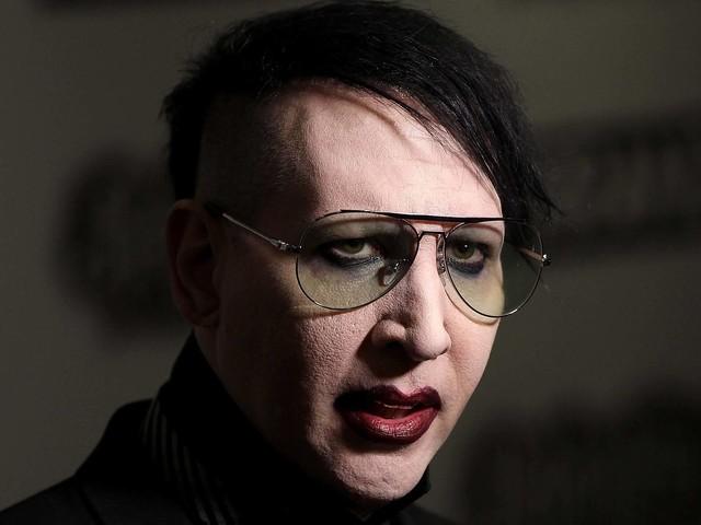 Marilyn Manson stellt sich nach Spuck-Angriff der Polizei