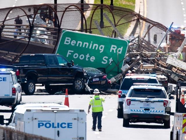 Washington: Fußgängerbrücke stürzt auf Autobahn – mehrere Verletzte