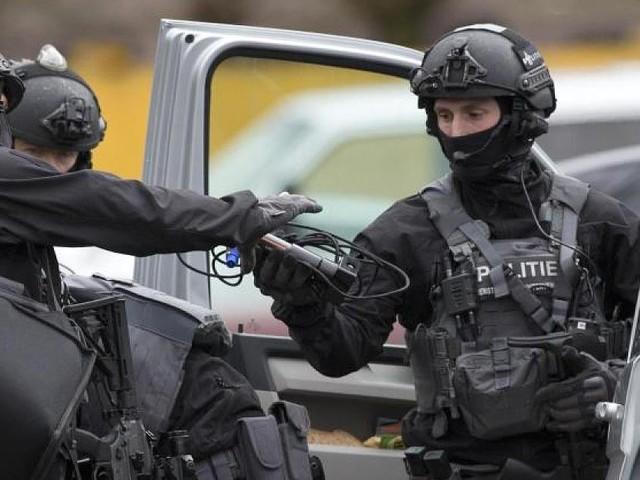 Bevölkerung gewarnt - Jagd auf den Utrecht-Schützen: Deutsche Polizei verschärft Grenzkontrollen