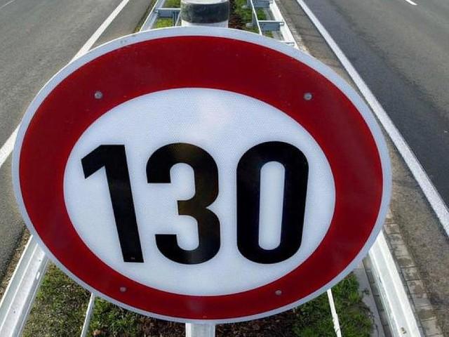 Hochrangige Regierungsexperten - Kommission schlägt generelles Tempolimit auf Autobahnen und höhere Dieselsteuer vor