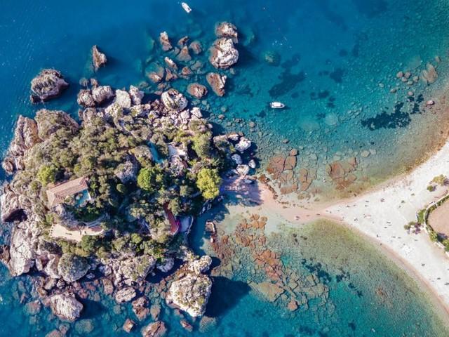 Gesamtkunstwerk Sizilien: Sonne, Sand und Seeigel