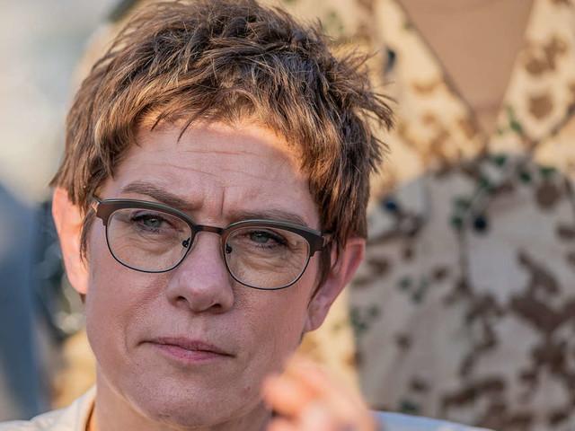 Schadet sie der CDU? Krachende Umfragen-Pleite für AKK