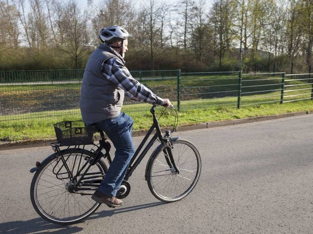 Frankfurt am Main: Rüstiger Senior verfolgt gestohlenen Transporter mit dem Rad