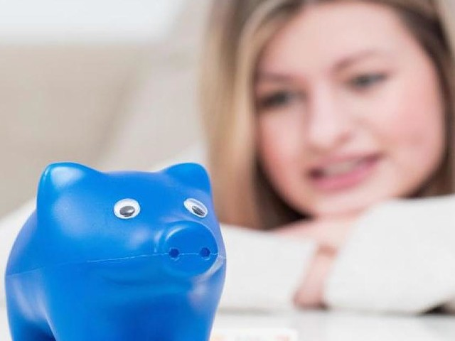 """Sparen lohnt sich nicht - Lebensversicherungs-Chef warnt: """"EZB torpediert mit Minizinsen die private Altersvorsorge"""""""