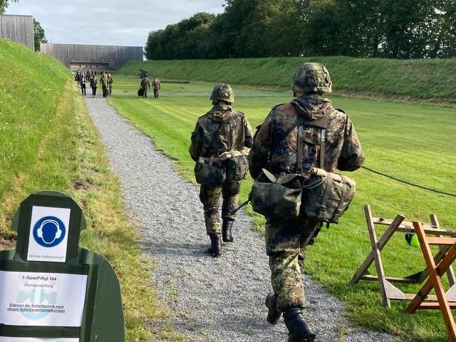 Gehalt beim freiwilligen Wehrdienst: Wie viel verdient man als Soldat?