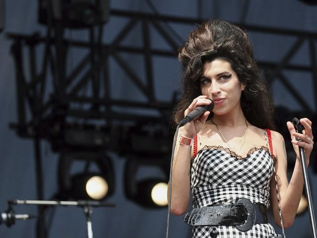 Amy Winehouse wollte kurz vor ihrem Tod ein Mädchen adoptieren