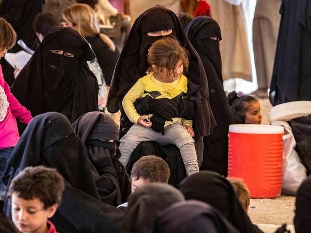 """""""Schaukel zu vermieten"""" statt religiösem Eifer - Was ein digitaler Einblick ins Lagerleben der IS-Frauen zeigt"""