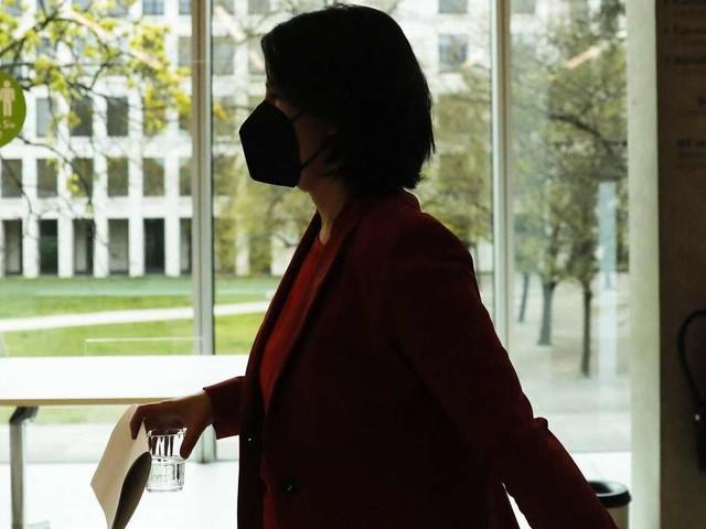 Kanzler-Frage: Merkel hat Kohl-Rekord vor Augen - nun will auch Baerbock einen Riegel vorschieben