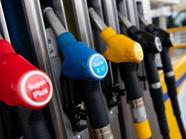 """Spritpreise und """"Tanktourismus"""" steigen - """"Besonders seltsam muten die teuren SUV an"""""""
