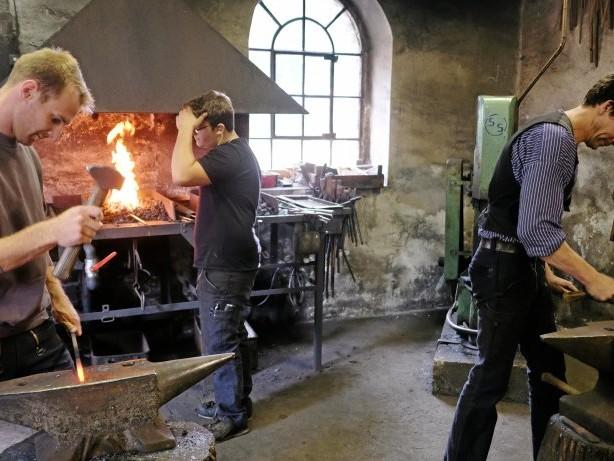 Freizeit: Mit Feuereifer für die alte Schmiedekunst