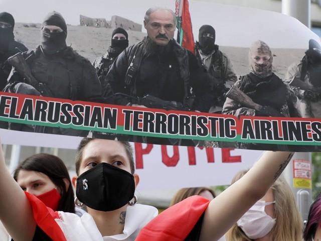 """""""Politische Aufmerksamkeit rettet Leben"""": Experte sagt, was Europa jetzt für Menschen in Belarus tun sollte"""