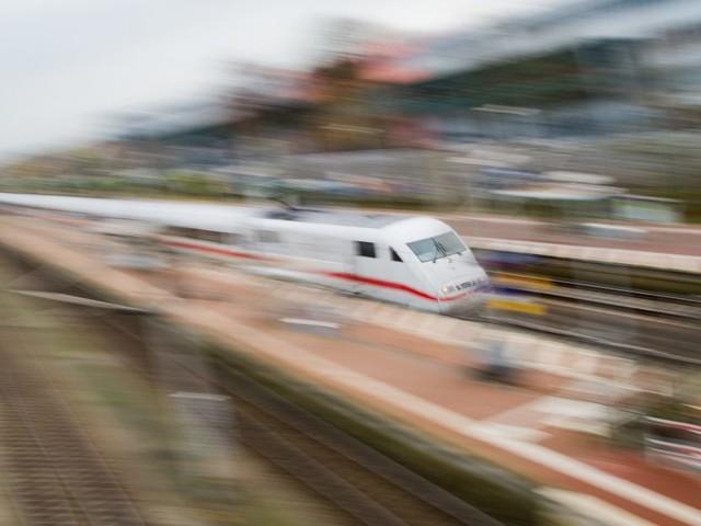 Mann steigt in Dortmund in den falschen Zug – dann zieht er die Notbremse