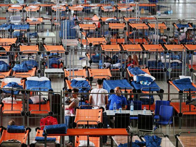 Sorgenvoller Blick nach Griechenland: NRW schließt Flüchtlingsunterkünfte – Kommunen bleiben skeptisch