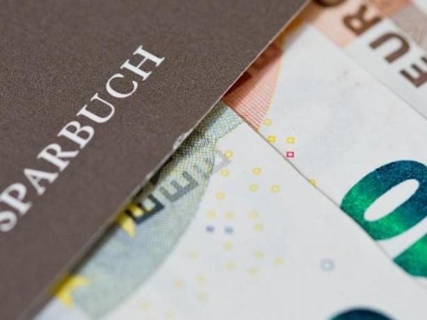 Geringere Freibeträge: Bundesbank: Negativzinsen für Bankkunden nehmen zu