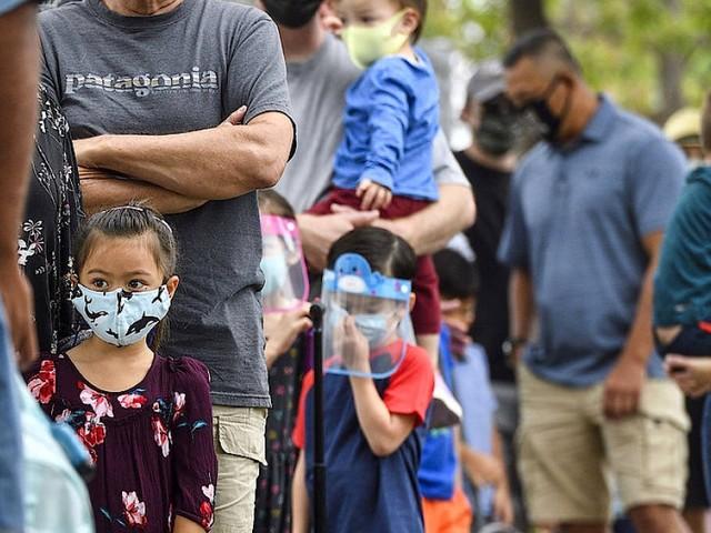 Floridas Gouverneur will trotz hoher Infektionszahlen keine Maskenpflicht an Schulen
