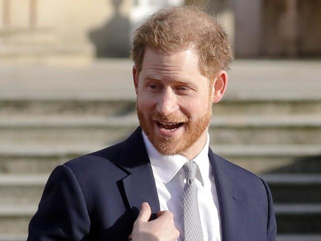 """Prinz Harry verteidigt """"The Crown"""" und übt scharfe Kritik an den Medien"""