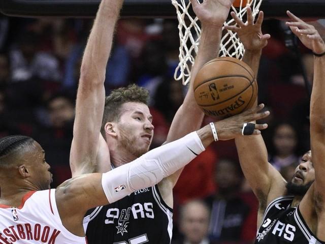 NBA: Starke Leistung von Pöltl beim Testspiel-Sieg der Spurs