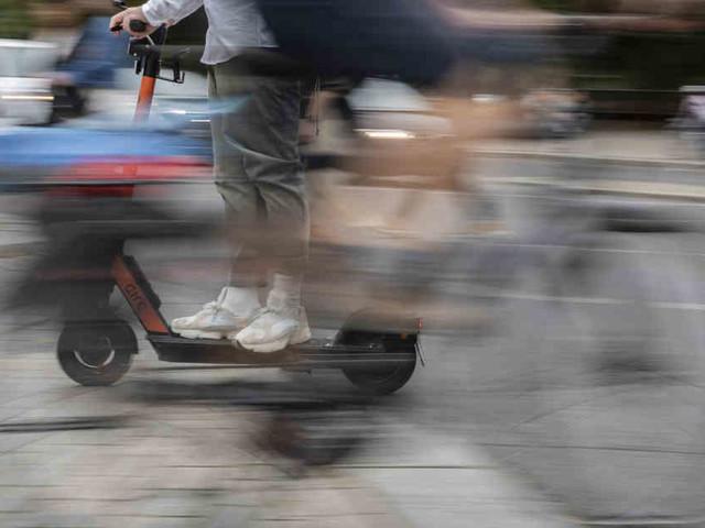 Bilanz nach drei Monaten: Polizei meldet viele Unfälle mit E-Tretrollern, Fahrer seien oft betrunken