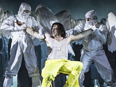 """Mefistofele""-Oper in Lyon: Reise durchs Panoptikum"