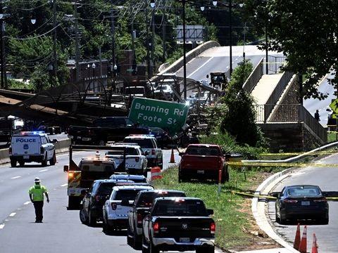 Unfall: Brücke in Washington bricht über Autobahn zusammen