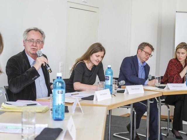 Die Lage der Literaturkritik: Debatte in Darmstadt