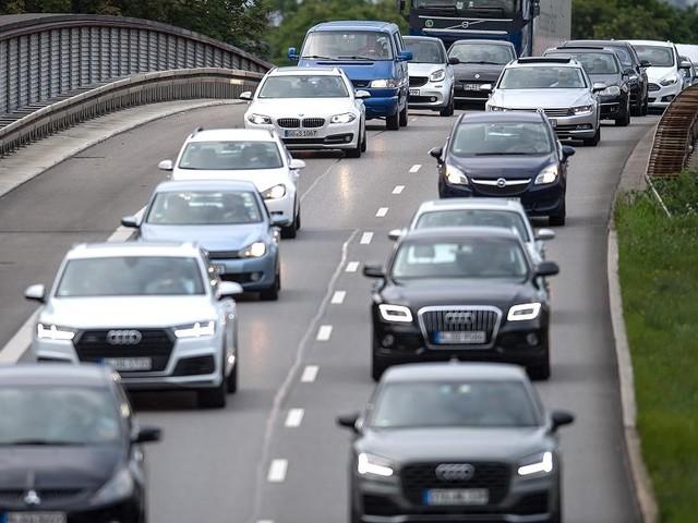 Zahlen der Internationalen Energieagentur - SUVs tragen mehr zum Anstieg der CO2-Emissionen bei als Flugzeuge und Schwerindustrie