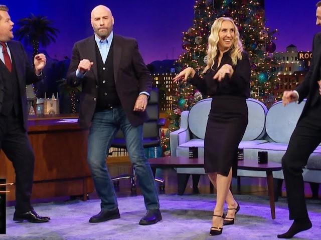 Für die Weihnachtsfeier: John Travolta bringt uns seine Dance-Moves aus 'Pulp Fiction' bei