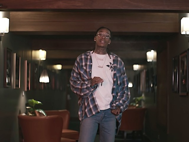 "Wiz Khalifa dropt Video zu ""Smokin' Section"" aus ""It's Only Weed Bro"" Mixtape"